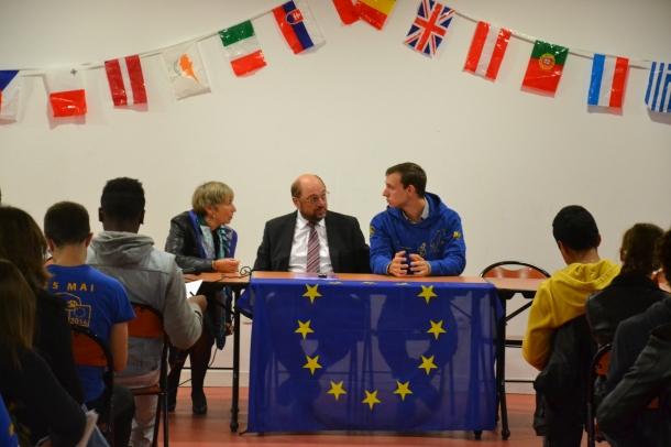 Martin Schulz était au lycée des Pontonniers à Strasbourg, mardi 8 octobre 2013. Photo : Hugo Bluet.